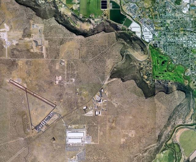 Zona de Prineville donde Apple instalará su nuevo centro de datos. se puede ver el aeropuerto y el parque nacional.