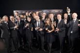 El equipo de diseño de Apple al completo se presenta para recibir un premio