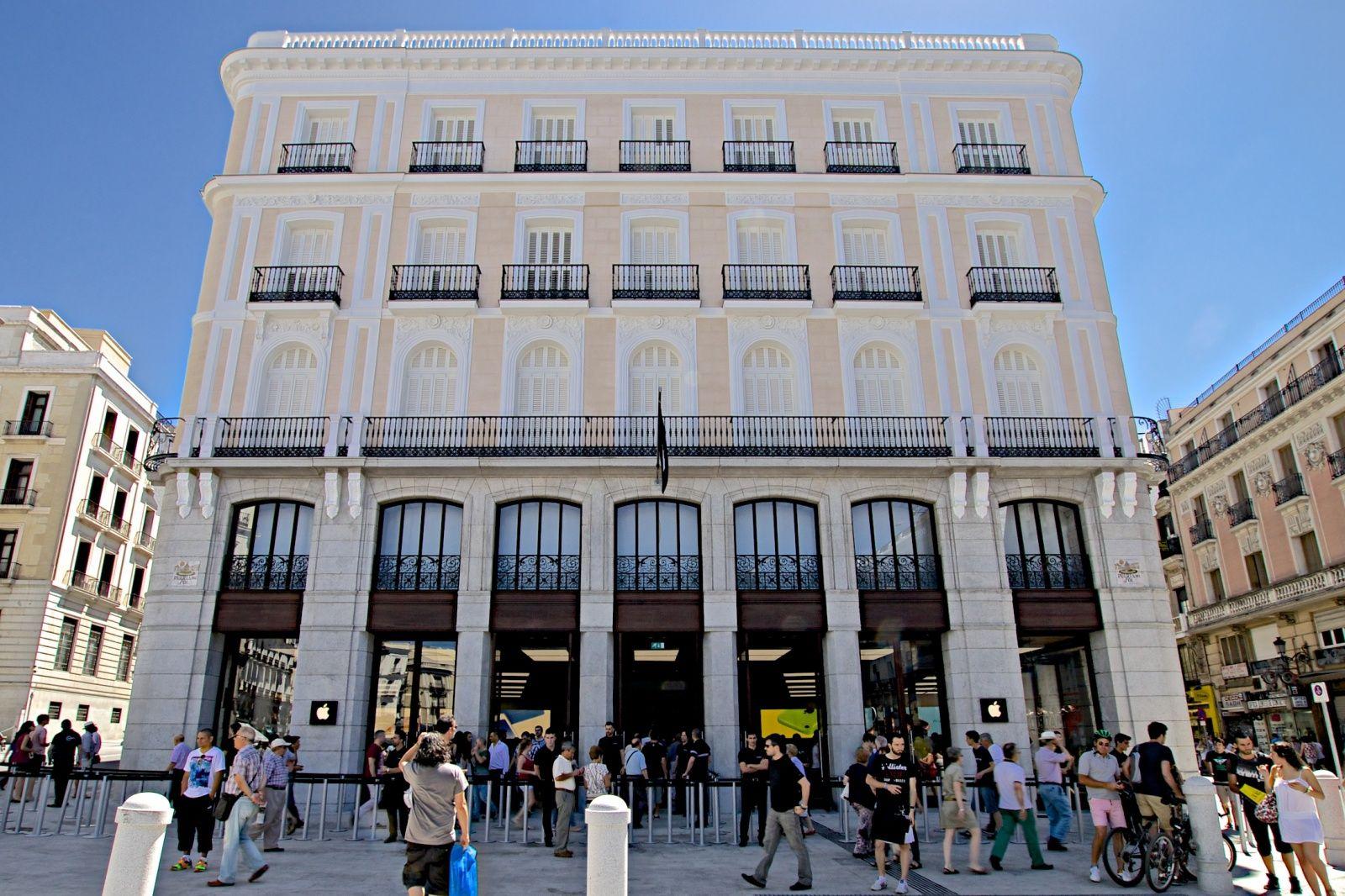 Apple espa a se muda a sus oficinas de la puerta del sol for Puerta del sol en directo ahora