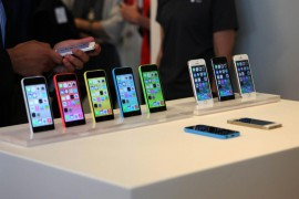 4b9082253-iphone-5c-5s-lineup.nbcnews-ux-2880-1000