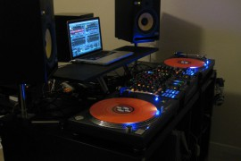 dark-setup-and-orange-vinyl-136