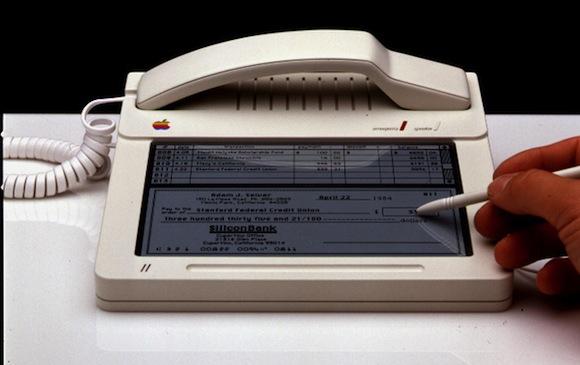 Un teléfono unido a un Mac de Apple