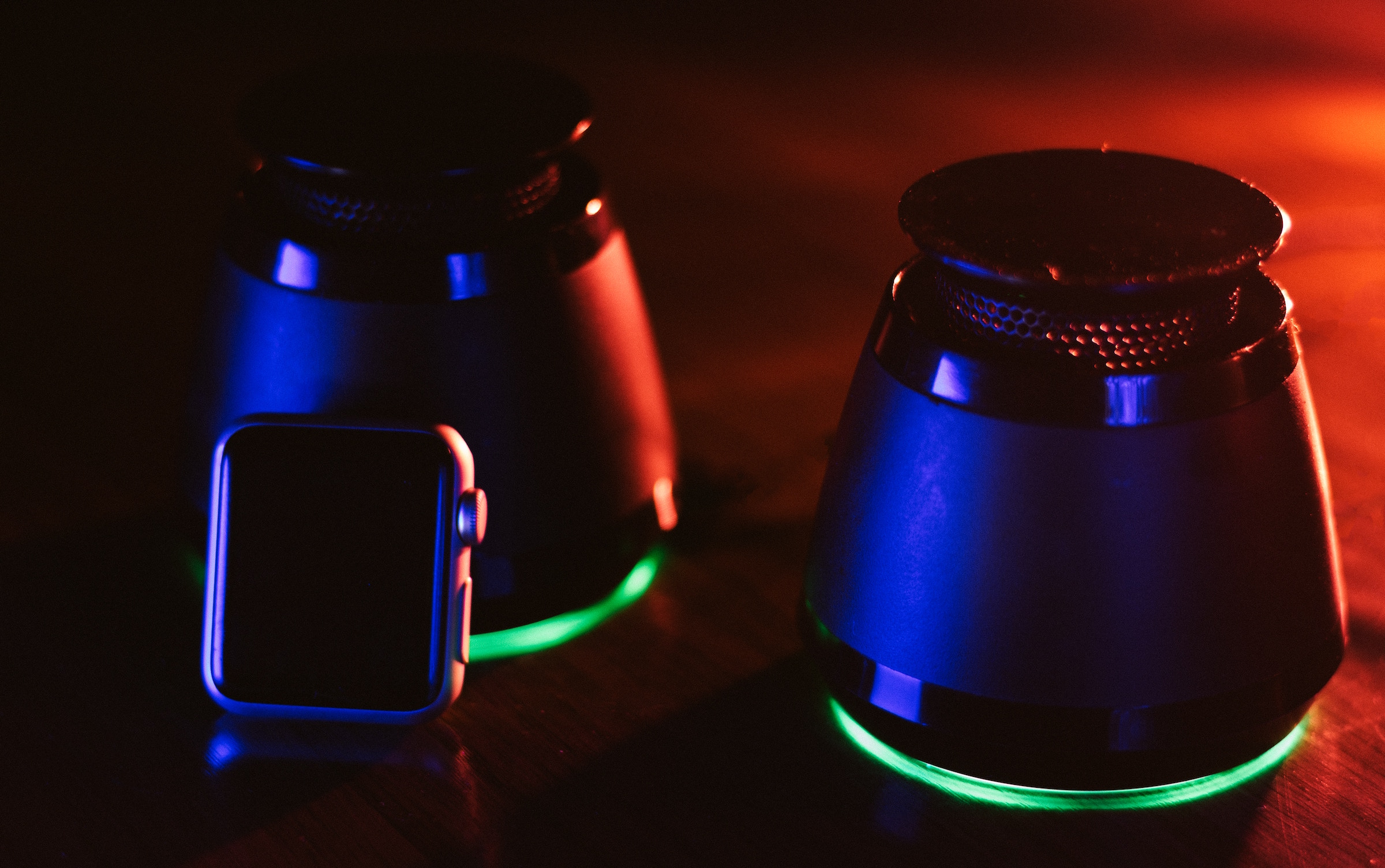 Altavoces Bluetooth con pairing y luces Led de ambiente