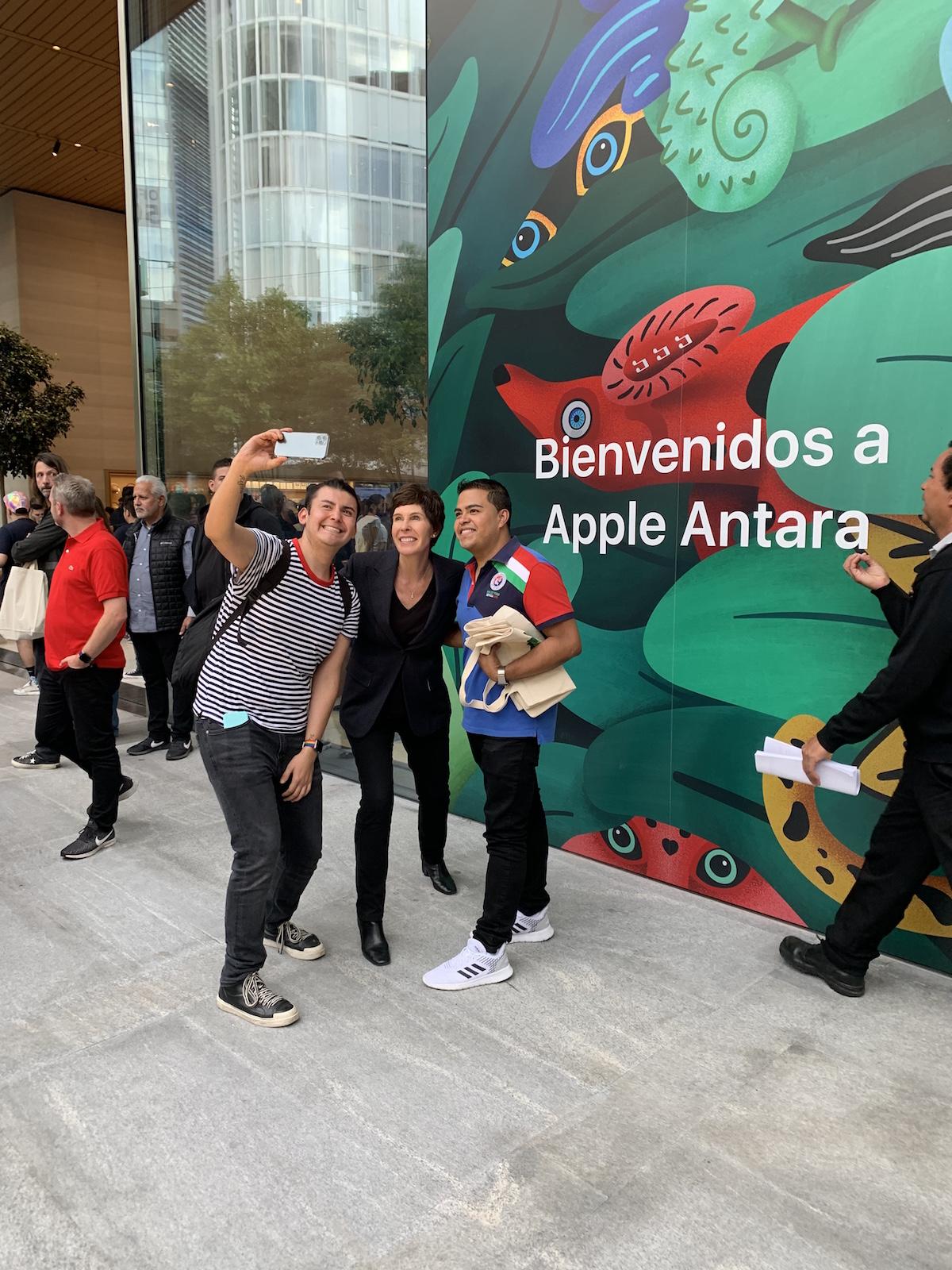 Deirdre O'Brien Apple Antara.